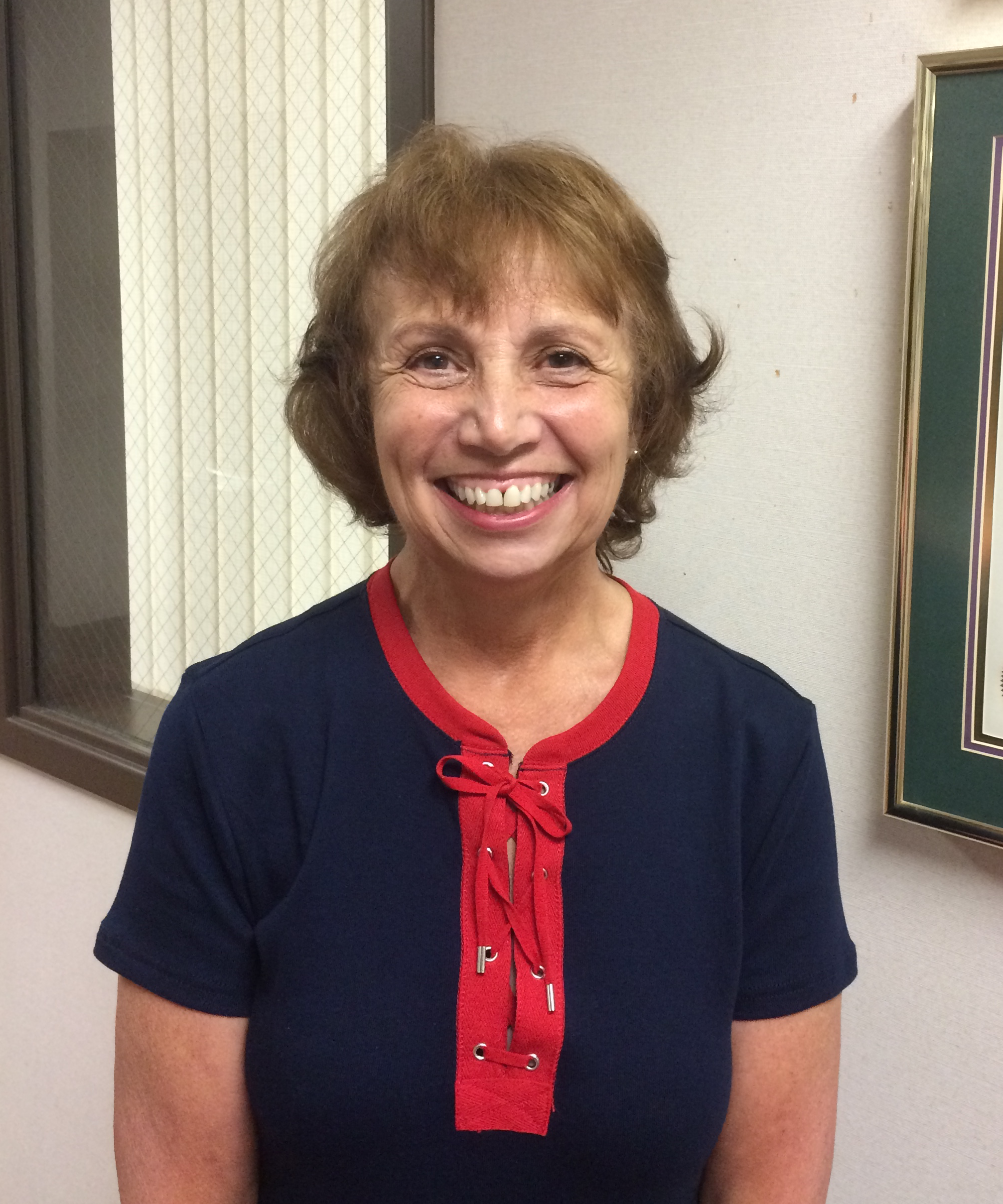 Photo of Dr. Roxanne Pickle