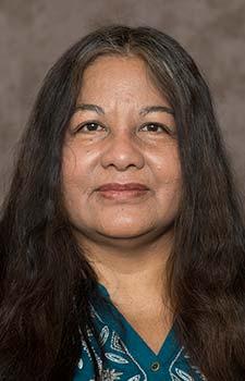 Dr. Cornelia Santos