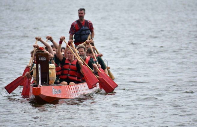 Beaver Fever returning to shore after the Education Cup