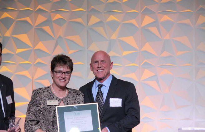 Tom Heaviland '80 – Outstanding Alumni Award.