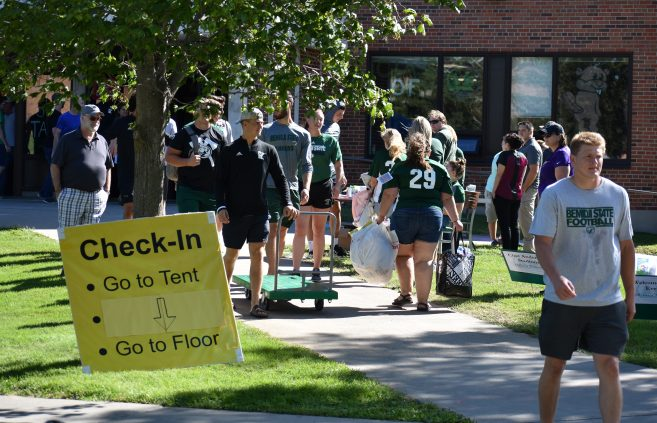 New students moving into the dorms during Move-In Day.