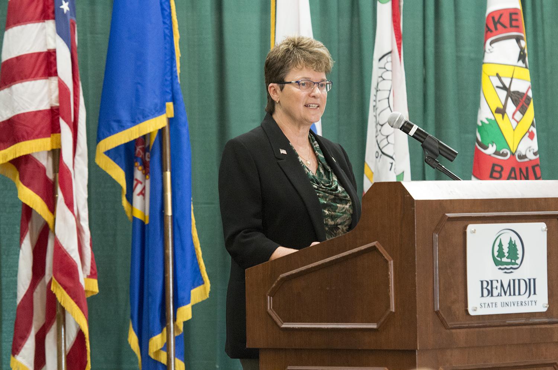 President Hensrud speaking at the President's Welcome Breakfast.