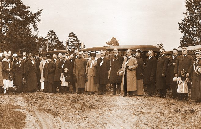 Bemidji citizens gather in 1915 on the donated ground where Bemidji Normal School will be constructed.