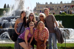 Students visit Versailles.